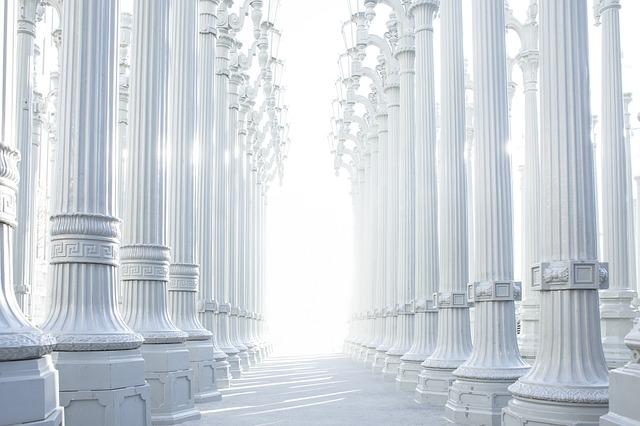 columns-801715_640